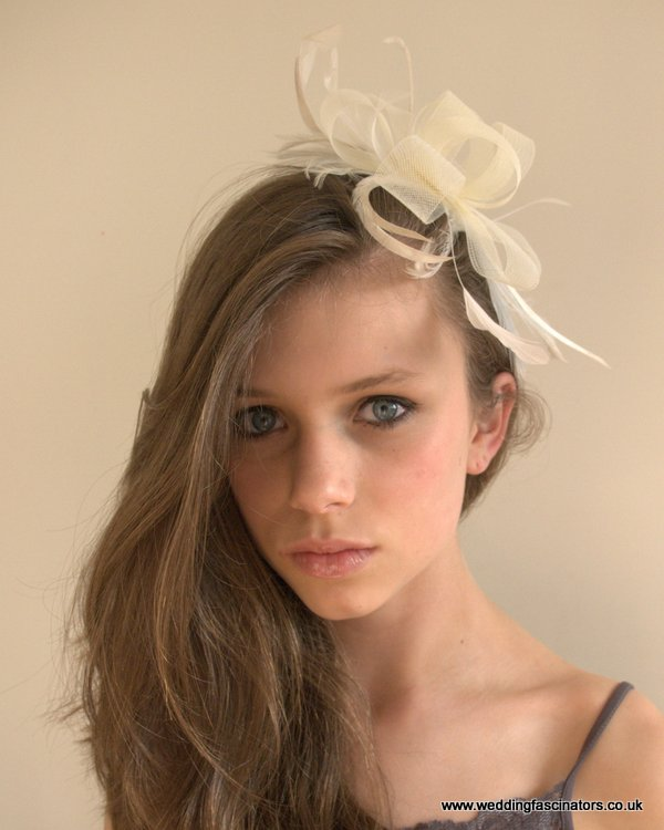 Ivory looped net fascinator