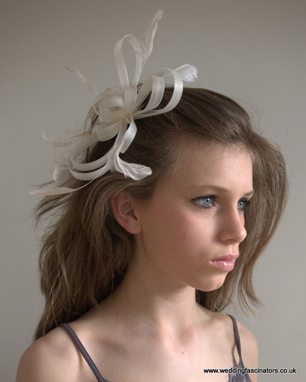 Ivory coiled net fascinator
