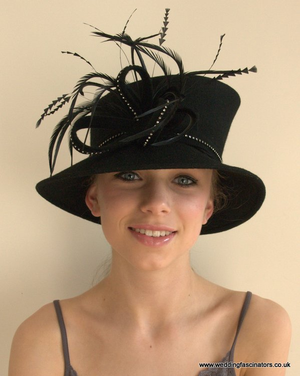 Black felt hat with diamonte trim