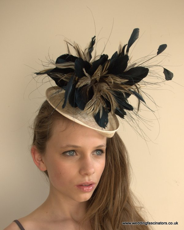 Navy and Natural Chelsea Sweetheart Headpiece
